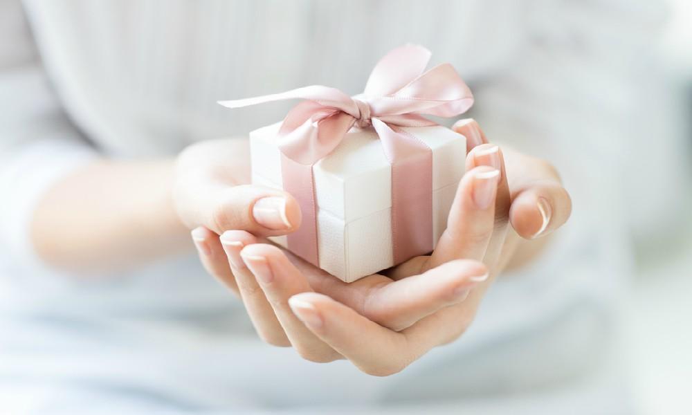 gift present valentine's day