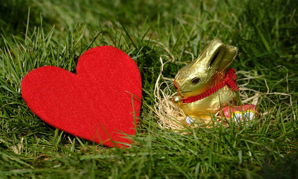 heart love easter bunny